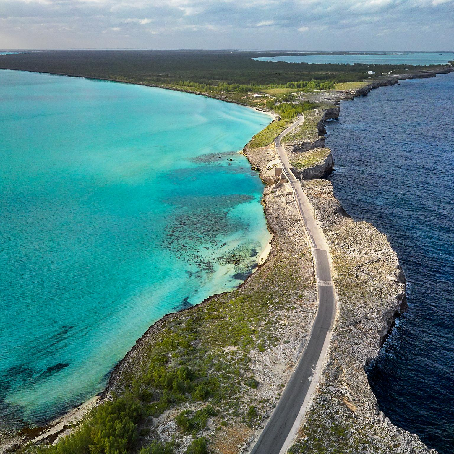 Glass bridge on the Eleuthera. Meeting point of Atlantic ocean and Caribbean sea.